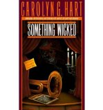 Portada de [(SOMETHING WICKED)] [BY: CAROLYN G. HART]